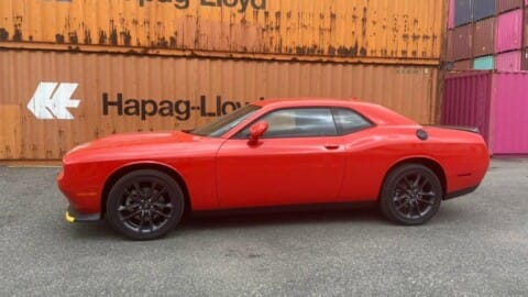 Giá bán hơn 3 tỷ đồng, Dodge Challenger GT hàng hiếm tại Việt Nam